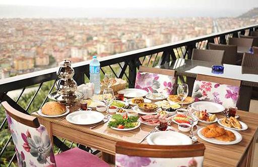 Breakfast in Alanya